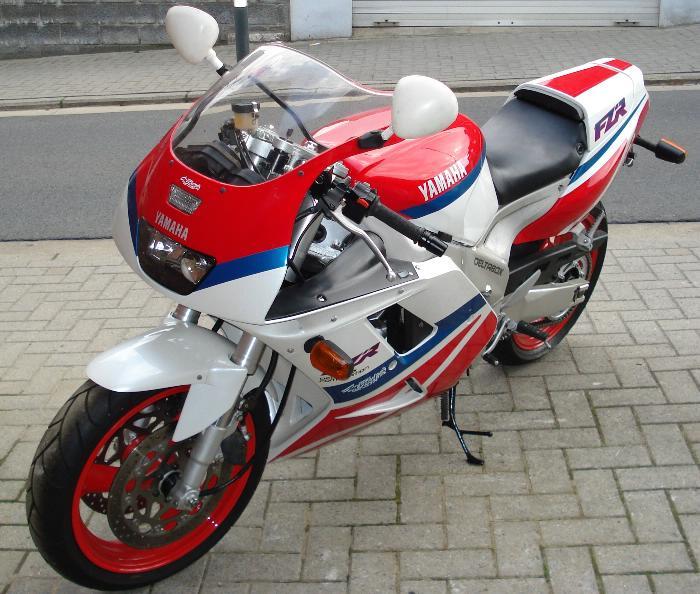 1993yamFZR1000.jpg