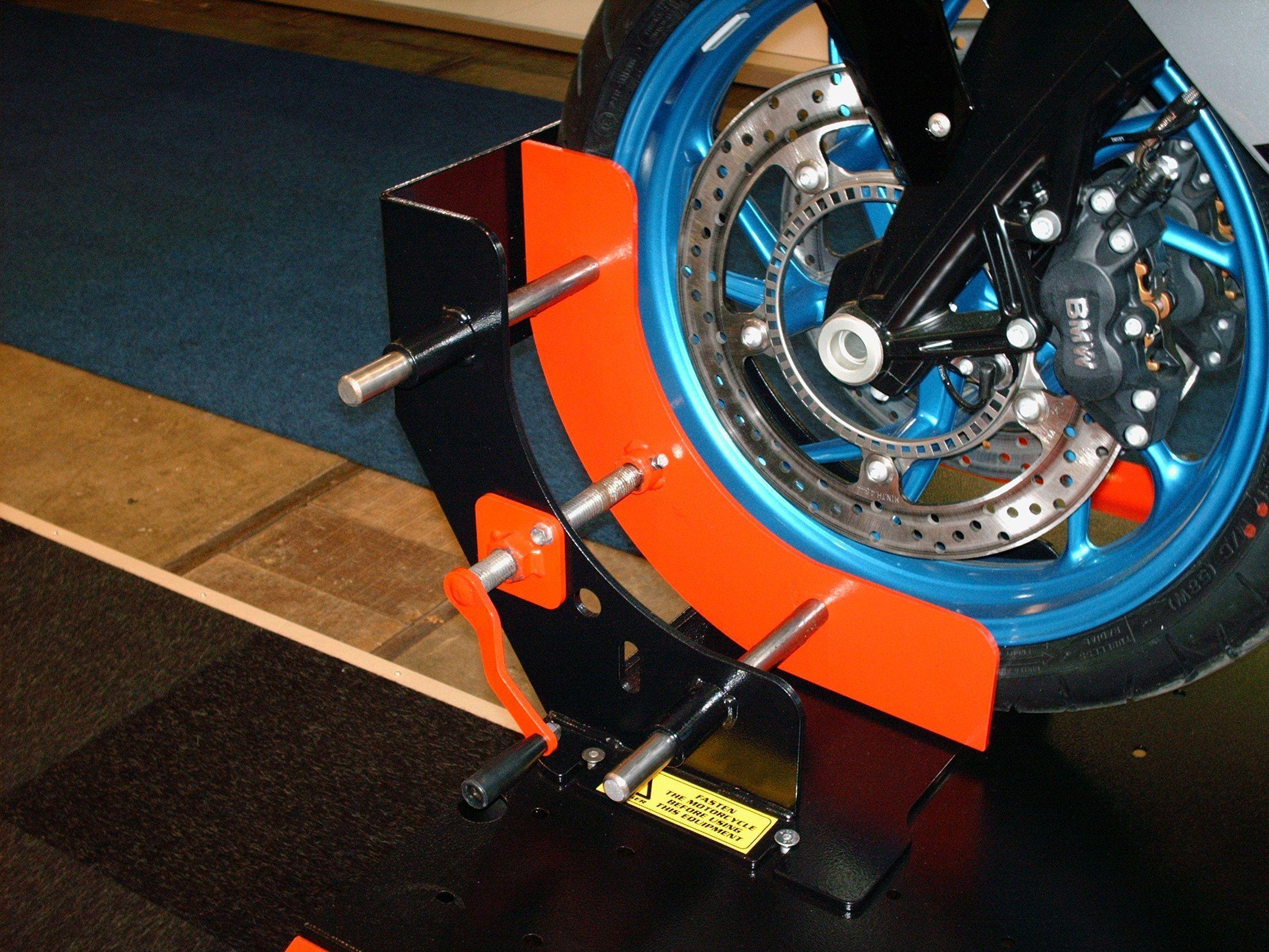 Outillage pour la moto for Table elevatrice moto
